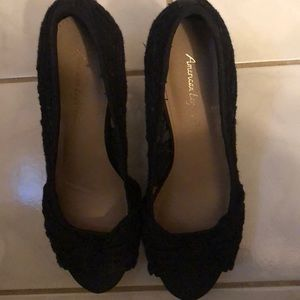 American Eagle open toe black lace 6.5 wedges